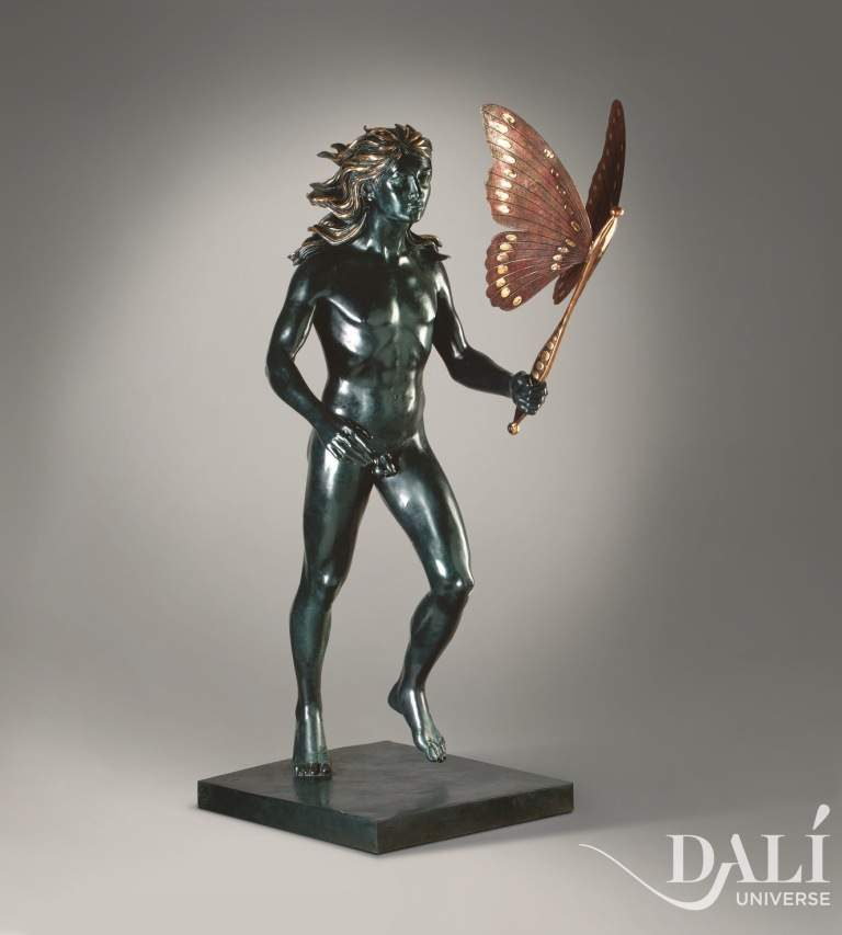 dali_museum_sculpture_man_with_butterfly